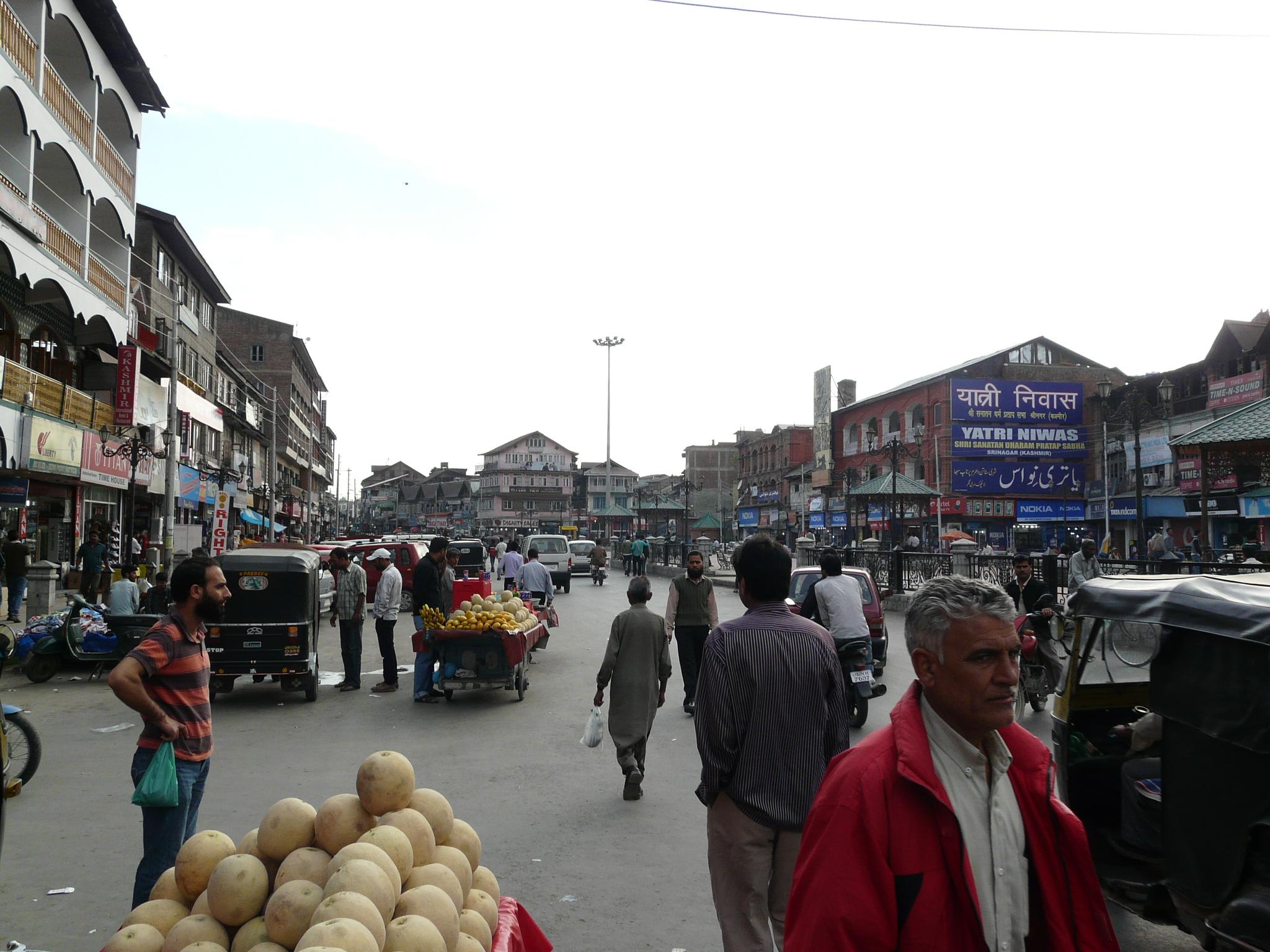 Walking Through Downtown Srinagar Sarson Ke Khet