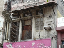 The incredible floating sink, Chandni Chowk (photo taken in 2009)