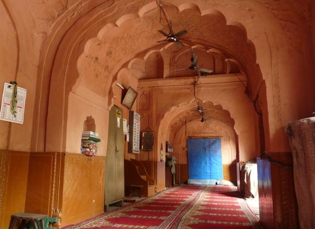 01 04 daryaganj mosques