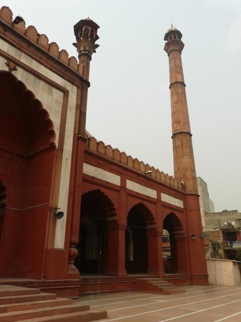 02 05 daryaganj mosques