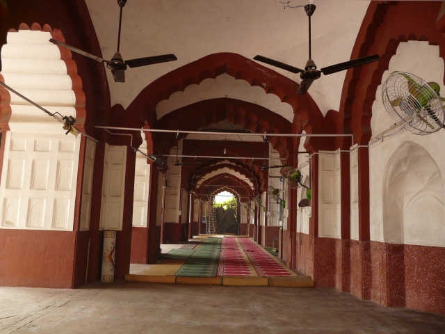 02 08 daryaganj mosques