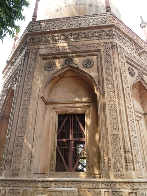 colonial agra 09 04