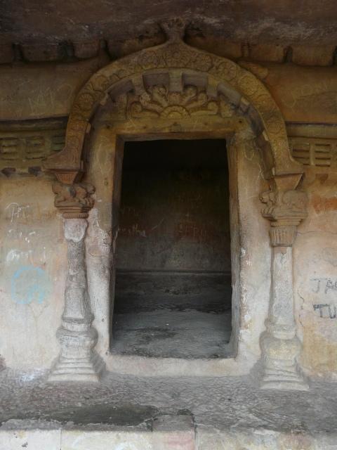 khandagiri 02 04
