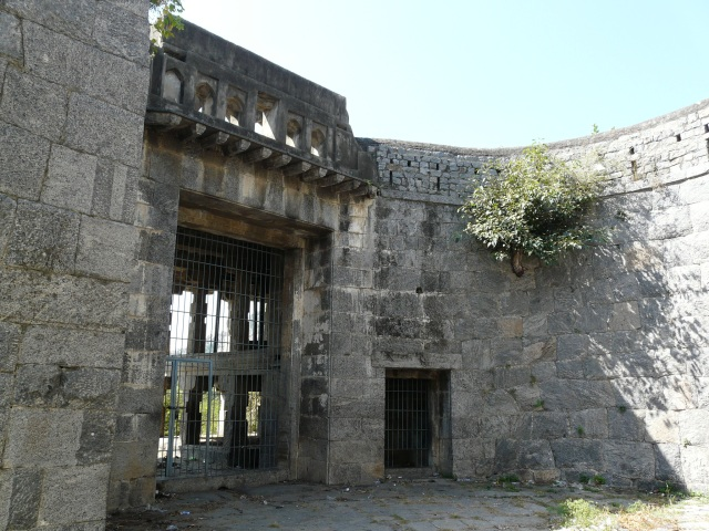 outer fort 06 02