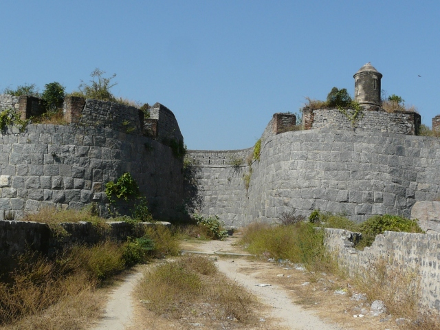 outer fort 06 03
